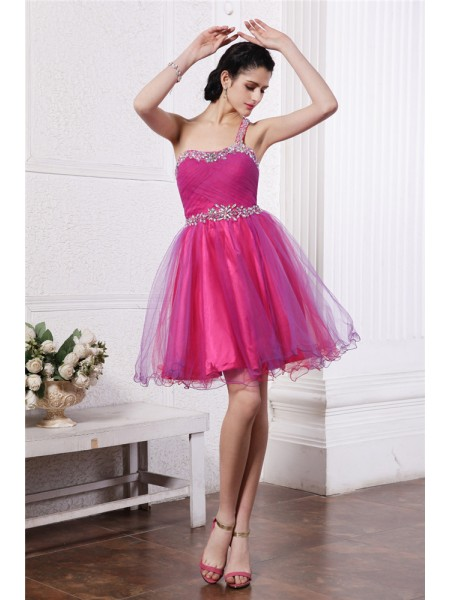 Stylish A-Line/Princess Sleeveless Beading One-Shoulder Short Organza Cocktail Dresses