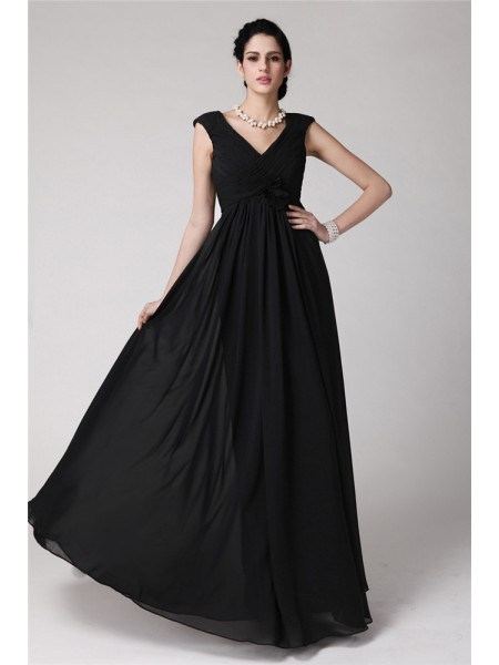 Stylish Sheath/Column Sleeveless Pleats V-neck Long Chiffon Dresses