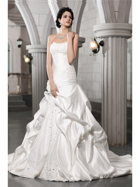 Stylish A-Line/Princess Strapless Beading Sleeveless Applique Hand-Made Flower Long Satin