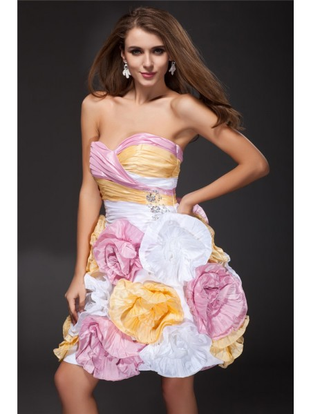 Fashion A-Line/Princess Ruffles Sleeveless Sweetheart Hand-Made Flower Short Taffeta Cocktail