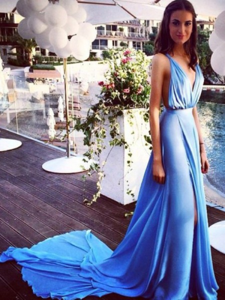Fashion A-Line/Princess Spaghetti Straps Sleeveless Chiffon Pleats Court Train Dresses