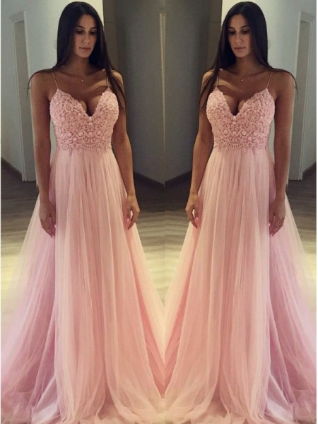 Fashion A-Line/Princess Sleeveless Spaghetti Straps Sweep/Brush Train Applique Tulle Dresses