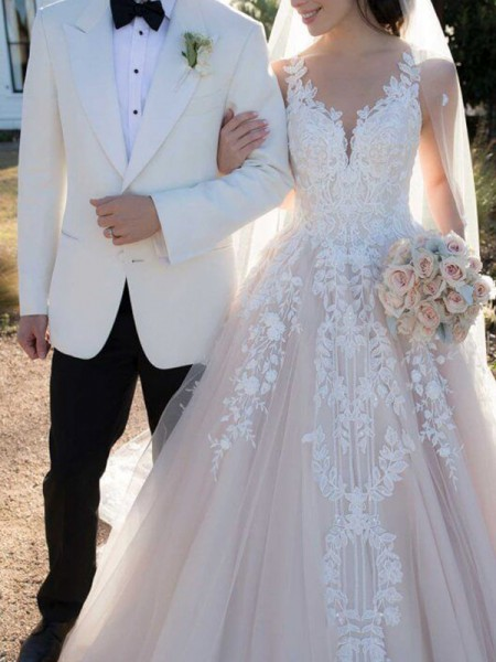 Stylish Ball Gown V-neck Sleeveless Sweep/Brush Train With Applique Tulle Wedding Dresses