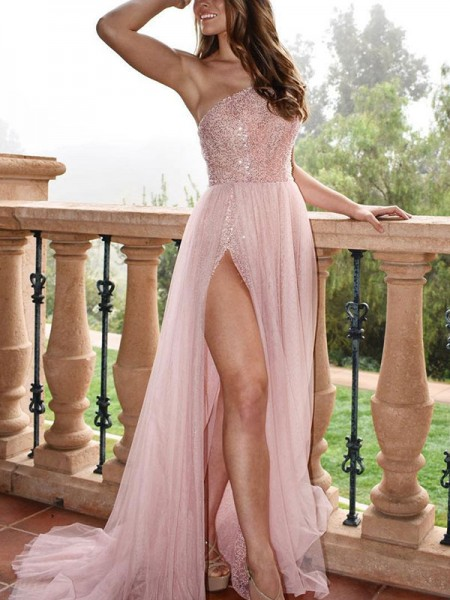 Stylish A-Line/Princess Sleeveless One-Shoulder Sweep/Brush Train Beading Tulle Dresses