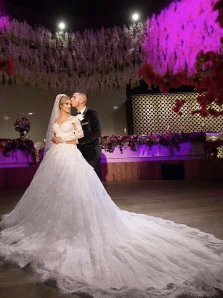 Ball Gown Lace Applique Sweetheart Long Sleeves Chapel Train Wedding Dresses