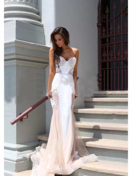 Stylish Trumpet/Mermaid Sleeveless Tulle Sweetheart Chapel Train Dresses