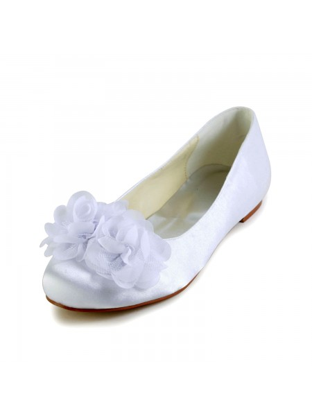 The Most Fashionable Women's Satin Flat Heel Closed Toe Flats White Wedding Shoes With Satin Flower