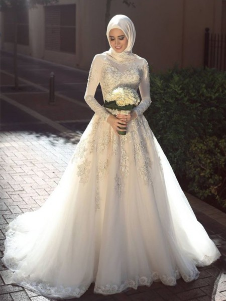 Ball Gown Jewel Long Sleeves Sweep/Brush Train With Applique Tulle Wedding Dresses